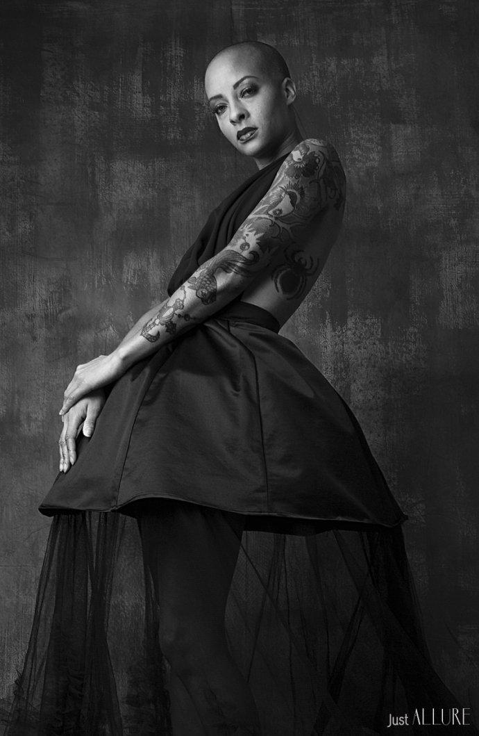 Blue Shadow Fine Art photographer and Creative Director Free Spirit Fashion photography fashion Fraise au Loup black model mannequin paris