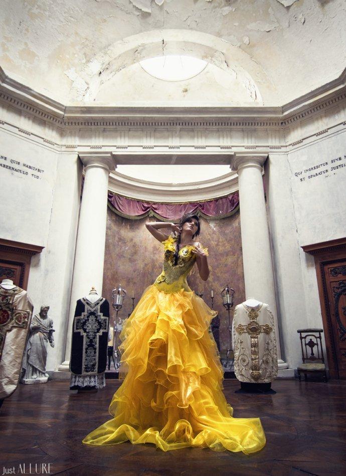 Blue Shadow Fine Art photographer and Creative Director Free Spirit Fashion photography fashion Fraise au Loup chapel yellow dress