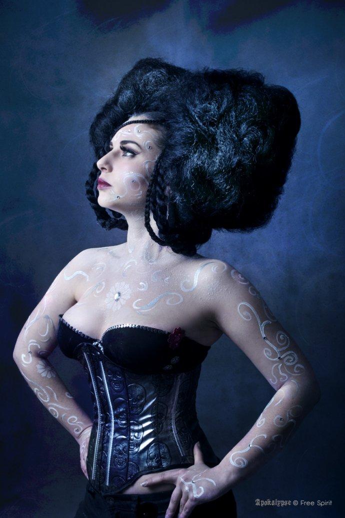 Free Spirit Blue Shadow Apokalypse hairstyle haircut afrohair corset