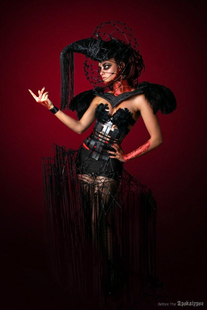 Blue Shadow Fine Art photographer and Creative Director Free Spirit Fashion photography fashion Fraise au Loup headpiece Apokalypse corset épauleettes paillettes