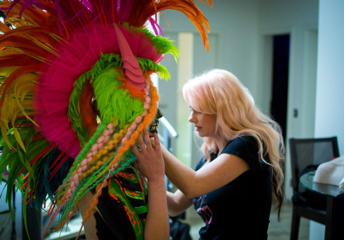 Blue Shadow Fine Art photographer and Creative Director of Free Spirit - Behind the scenes - Blacklight photography bodypainting headpiece