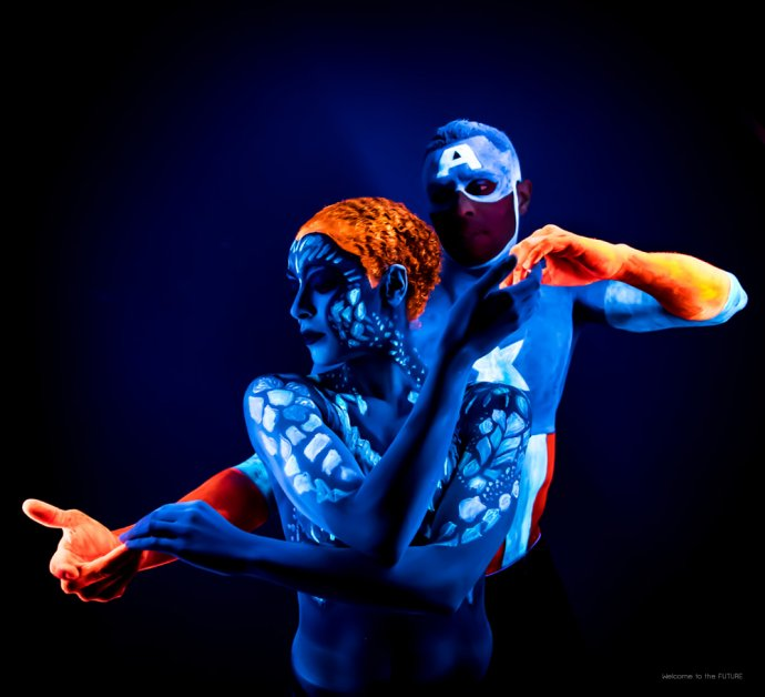 Blue Shadow Fine Art photographer and Creative Director of Free Spirit - Behind the scenes - Blacklight photography bodypainting neon Captain American X-men marvel