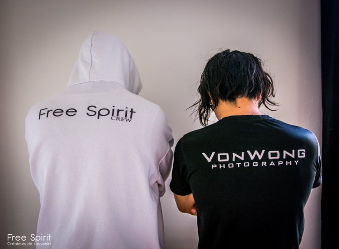 Free Spirit Blue Shadow Apokalypse project Dark photography Benjamin Von Wong Bizarre costume recycled stuff