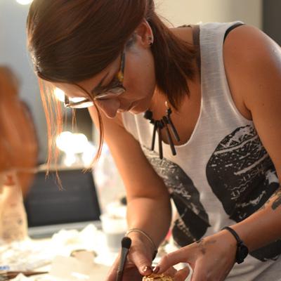 Laura Galoyer Makeup artist Paris maquilleuse